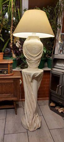 Lampa stojąca z abażurem w stylu greckim