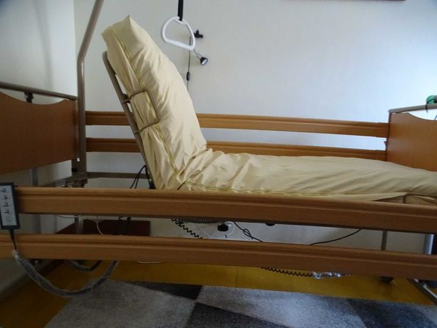 Łóżko rehabilitacyjne Luna 1 firmy Vermeiren z materacem