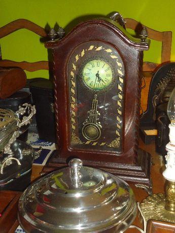 Relógio de Mesa em Madeira