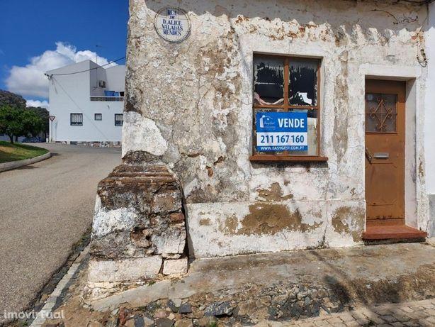 Moradia para recuperar localizada em Santa Clara de Louredo