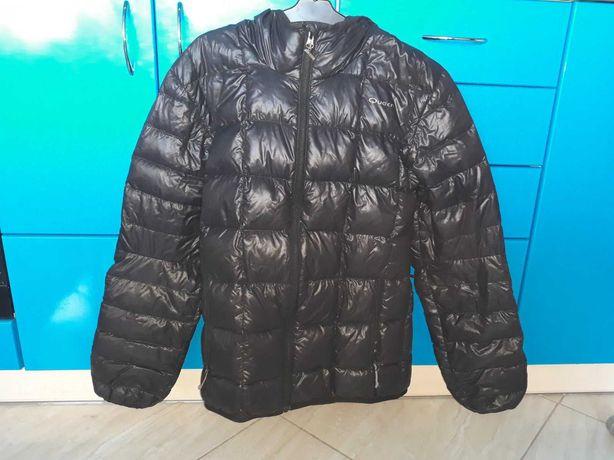 Куртка дуже гарна для дівчинки .