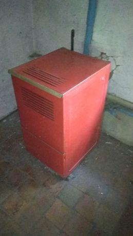 Продам котел на жытком топливе (для парового отопления )