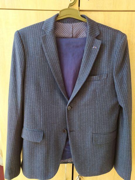 Продам пиджак/костюм/ суперский