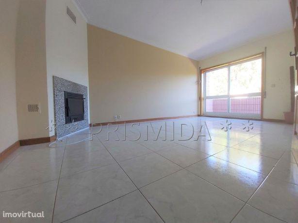 T1 c/Suite, 3 varandas, 2wc's, Box, Canelas