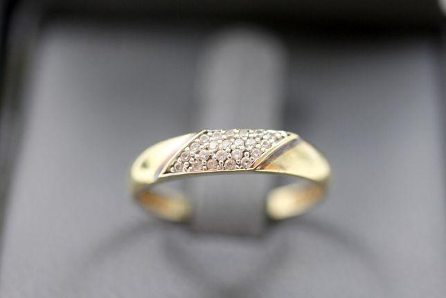 Piekny złoty pierścionek CYRKONIE 1.50G 333 R18