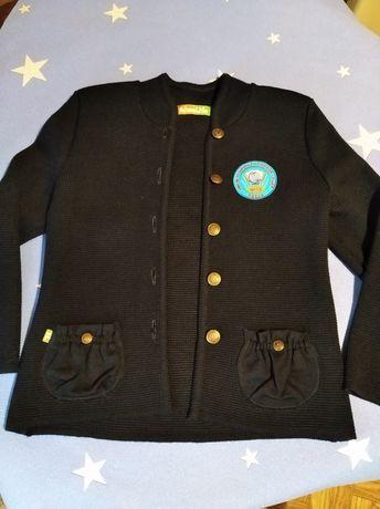 Школьний пиджак темно синего цвета  .машинная вязка. На девочку 9,10 л