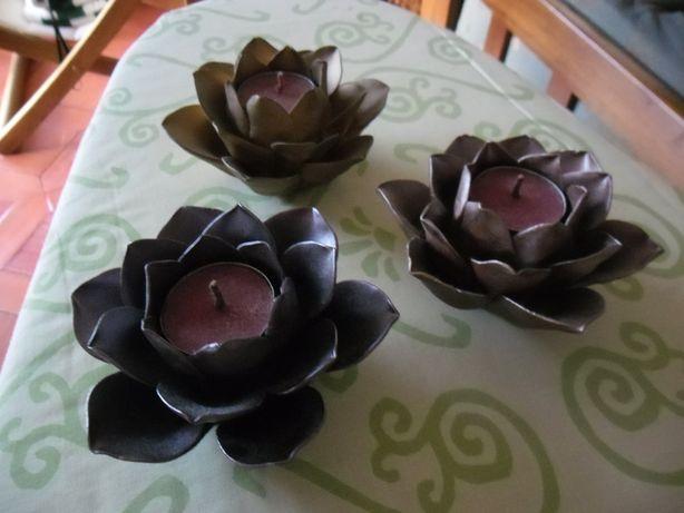 3 castiçais flor,3 tons diferentes,anos 90,Genevieve Lethu,Nunca usado