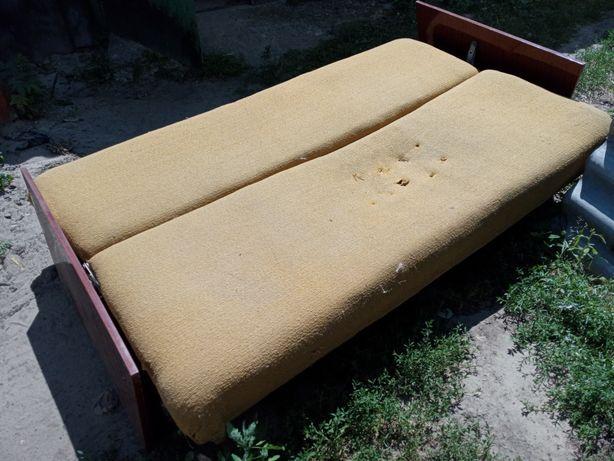 Продам б/уНедорого небольшой диван состояния 2 из 5 самовывоз/доставка
