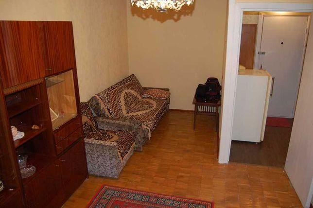 Продам гостинку в центре Киева ул. Трудовая 7А 44300у.е.