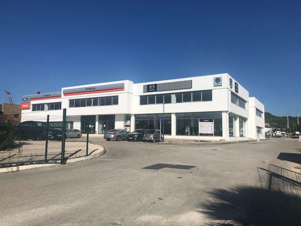 Arrenda Alverca 1.757m2 Open Space escritórios, lojas, armazém.