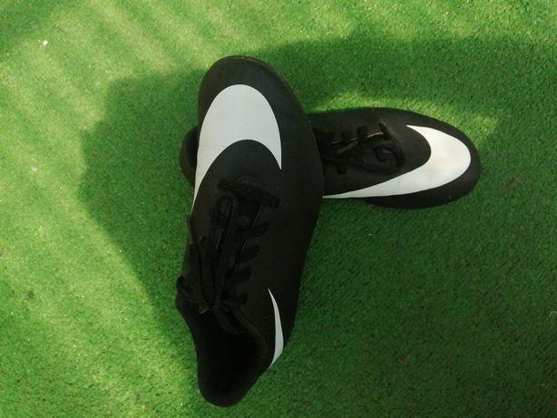 Korki Nike rozmiar 37,5
