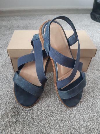 Sandały dziewczęce 33