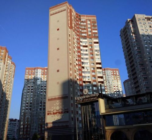 Продам 1 комнатную квартиру ул. Чавдар, 38 Осокорки 10 мин. пешком.