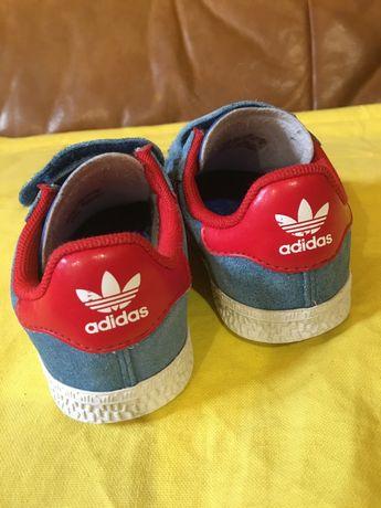 Adidas кросівки, 24 р