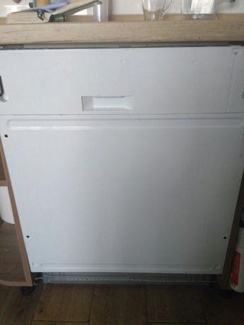 Продам встраиваемая посудомоечную машину