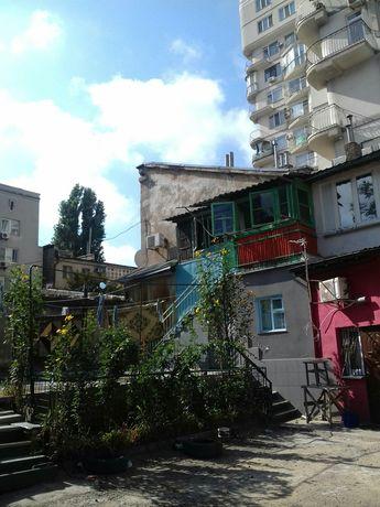 Двухкомнатную квартиру в Одессе