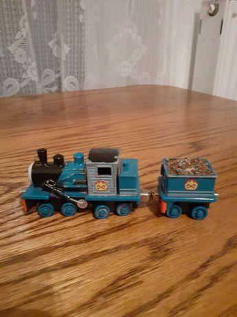 Ferdynand, lokomotywa, magnes, z wagonem Tomek i Przyjaciele