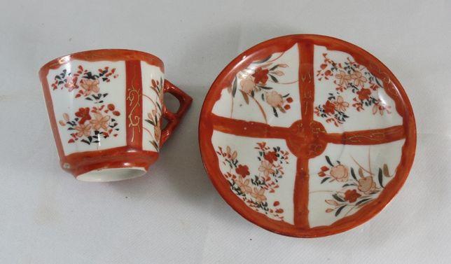 Chávena com pires Kutani porcelana japonesa; Século XIX;
