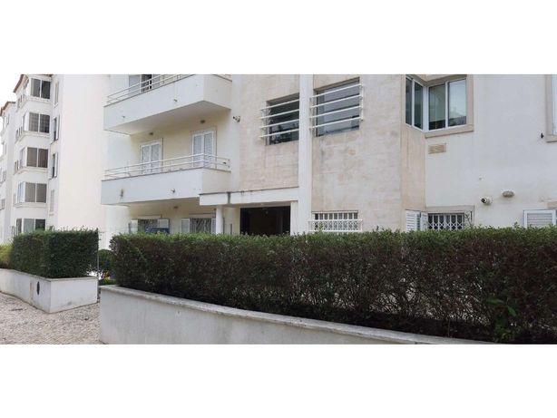 Apartamento T4 no Monte Estoril