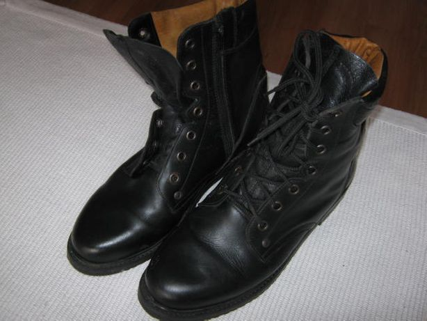 Buty wojskowe r-46 wzór mon 921, czarne, jak nowe.