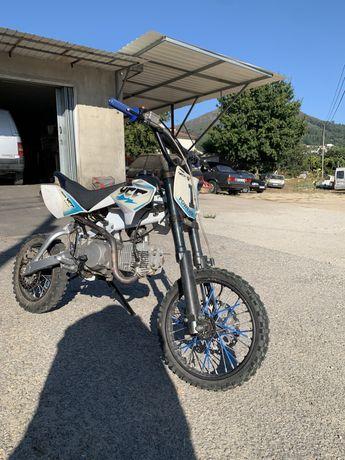 Pit bike ycf 125 nova