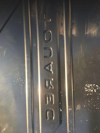 Оригінальний резиновий коврик багажніка Фольксваген Туареґ