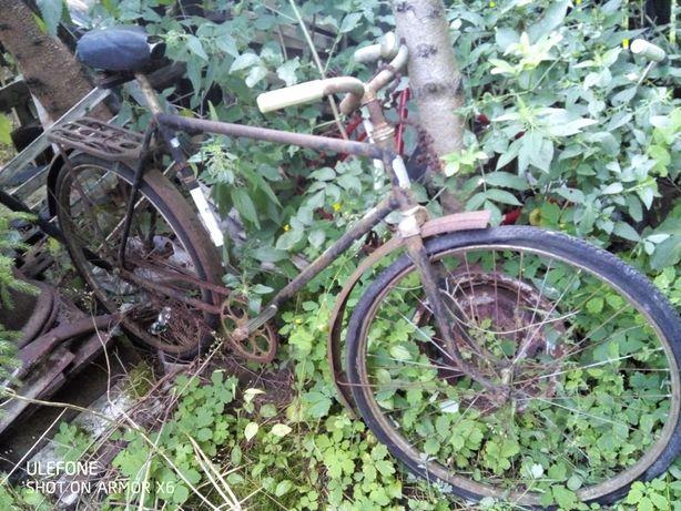 Rower CCCP z gołębiem - zabytek w cenie złomu