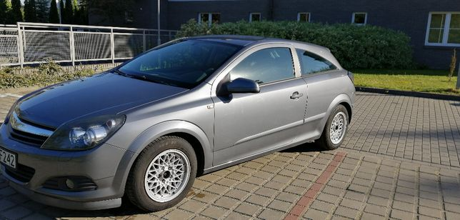 Opel Astra III H GTC, r 2005