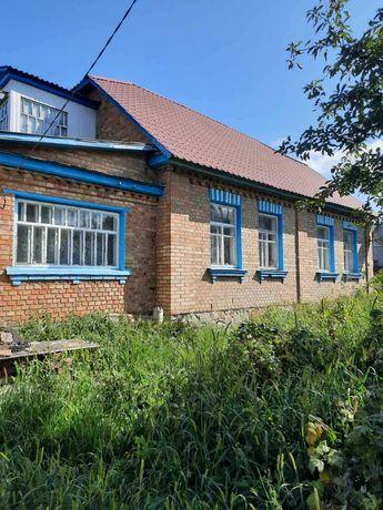 Новые Петровцы, Валки, кирпичный дом  100 кв.м  с 17 сотками земли