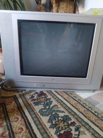 Телевизор LG плоский