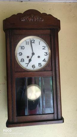 Mały zegar skrzyniowy