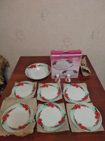 Набор тарелок новый
