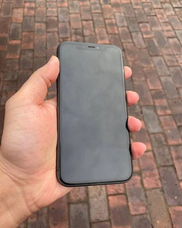 Apple iPhone 11 64Gb Spase (б/у)
