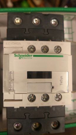 Контактор Schneider Electric 3P LC1D40AM7 40A