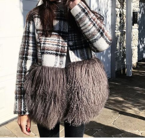 Пальто с мехом лами украінський бренд j.u.m.p