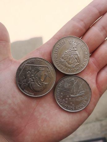Moedas 200 e 100 escudos
