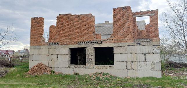 *Продам незавершений будинок с.Довжок