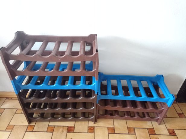 Komplet stojaków na wino