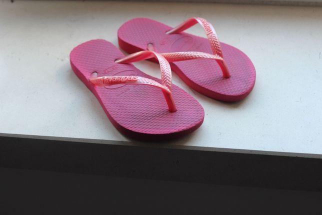 Havaianas rosa de menina