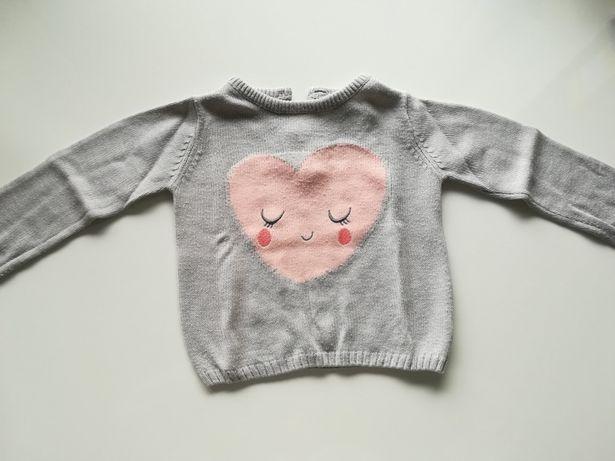 Sweter szary z serduszkiem C&A rozm. 80 cm