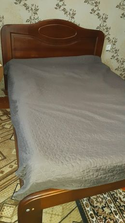 Кровать из массива 1400х2000