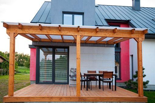 Poliwęglan komorowy - zadaszenia, świetliki, balkony, wiaty szklarnie