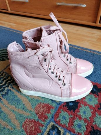 Buty na koturnie, sneakersy 38