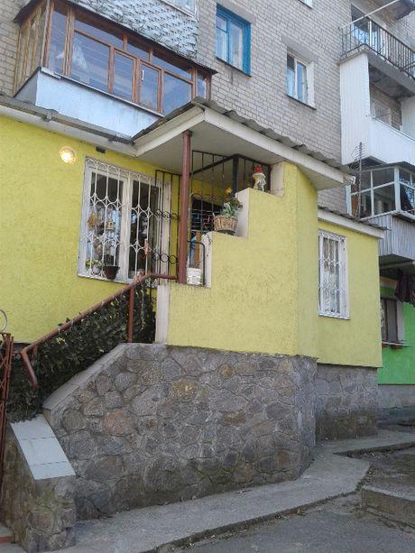 2-х кімнатна Приморська 28 з прибудовою окремий вхід