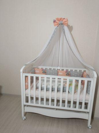 Кроватка с НОВЫМ бельем,детская кровать Верес,качалка на колесах