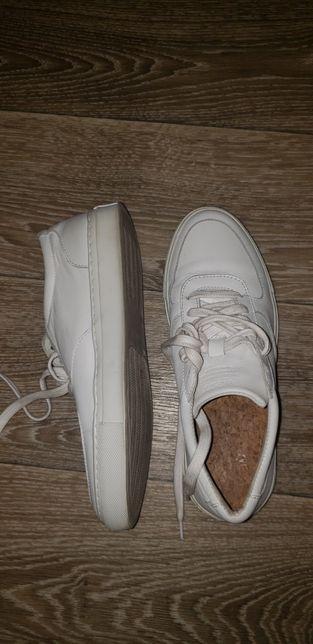 кроссовки кожаные wesc