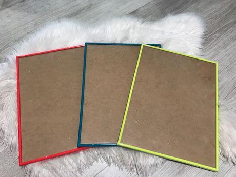Kolorowe ramki/antyramy 30x40