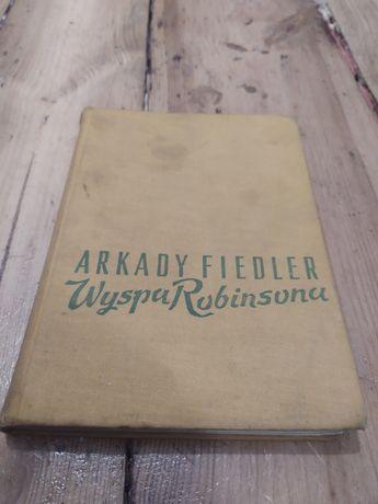 Wyspa Robinsona, Arkady Fiedler