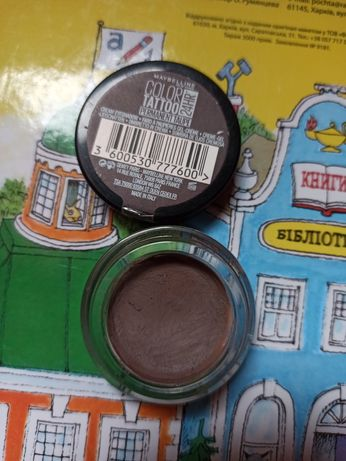 Maybelline New York Color Tattoo 24 Hour в оттенке 40 Permanent taup