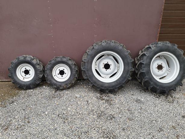 Do sprzedania komplet kół do traktora.